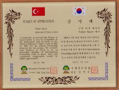 AC - PLAQUE OF APPRECIATION GIVEN TO AMBASSADOR OF TURKEY IN KOREA BY INTERNATIONAL FRIENDSHIP CLUB IN KOREA PLAQUETTE - Organizations