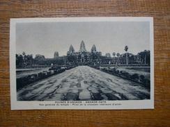 Cambodge , Ruines D'angkor , Vue Générale Du Temple , Prise De La Chaussée Intérieure D'accès - Cambodia
