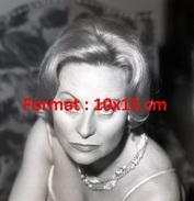 Reproduction D'une Photographie D'un Portrait De Michèle Morgan Avec Son Beau Regard - Reproductions