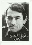GREGORY PECK  --  PHOTO ORIGINAL --  GRAND FORMAT, 18 Cm X 12,5 Cm  -  AUTOGRAFO  -  SIGNED  --   WITH ENVELOPE  -  1967 - Autogramme