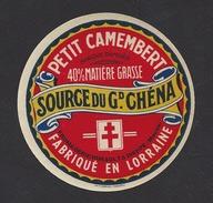 Etiquette De Fromage Petit Camembert - Source Du Gd Chéna    -  Laiterie Hurault  à  Dieppe Sous Douaumont  (55) - Quesos