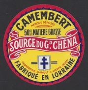 Etiquette De Fromage Camembert - Source Du Gd. Chéna - Laiterie Hurault  à  Dieppe Sous Douaumont  (55 ) - Quesos