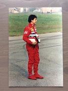Fotografia Jean Alesi Con Annullo Sul Retro Cartolina Trofeo Enzo Ferrari Int. Giov. Calcio Maranello 1-4-1991 - Grand Prix / F1