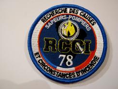 INSIGNE TISSUS PATCH DES SAPEURS POMPIERS SPECIALISTE RCCI DU 78 SUR VELCROS ETAT EXCELLENT - Firemen