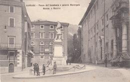 Carrara, Piazza Dell'Accademia E Palazzo Municipale. Monumento A Mazzini. Cartolina Non Viaggiata Anni 30 - Carrara