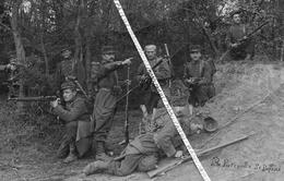"""1905 - 1914 / CARTE PHOTO / 14e RI  / MISE EN SCENE """" LA PATROUILLE SE DEFEND """" / 14e REGIMENT D' INFANTERIE - Guerre, Militaire"""