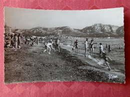 Dep 13 , Cpsm  MARSEILLE , 1125 , La Plage (04.1651) - Endoume, Roucas, Corniche, Beaches