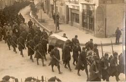 Funerailles D'un Soldat Anglais   -  9 Janvier 1916   -  Lot De Deux Cartes Photo - Probablement A Pierrelatte - Guerre 1914-18