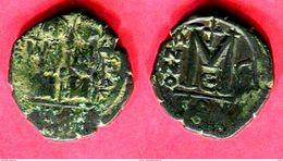 JUSTIN II   FOLLIS  CONSTANTINOPLE   AN 5 E ( S 366)  TB 20 - Byzantine