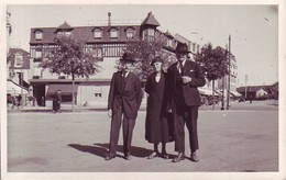 35 Rennes - Carte Photo De L'Hôtel Parisien - Place De La Gare En 1938 - Plaatsen