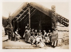 612Bc  Photo Nouvelle Zelande Maori Maidens Rotorua - New Zealand