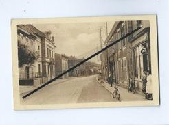 CPA  - Neuves Maisons - Rue Du Capitaine Caillon - Neuves Maisons