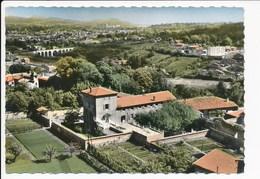 Carte ( Format 15 X 10 Cm ) De Francheville Le Haut  La Claire Maison   ( Recto Verso ) - Frankreich