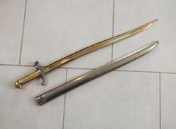 Baïonnette  1842  Au  MÊMES  NUMÉROS - Knives/Swords