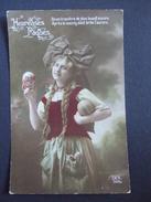 HEUREUSES PAQUES / BELLE ALSACIENNE PORTANT DEUX GROS OEUFS / 1914-1918 / DIX  N°359/5 - Patriotiques