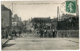 77. SEINE ET MARNE - Environs De LAGNY-THORIGNY-POMPONNE. Le Passage à Niveau. Arrivée D'une Locomotive. - Autres Communes