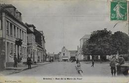 60)    BRESLES  - Rue De La Mare Du Four - France