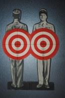 Carton Publicitaire Découpis Sortie Du Film L'Homme à Abattre De Léon Mathot Avec Viviane ROMANC Jules BERRY Roger KARL - Cinema Advertisement
