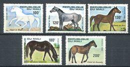 185 MALI 1980 - Yvert 364/68 - Cheval Chevaux - Neuf ** (MNH) Sans Trace De Charniere - Malí (1959-...)