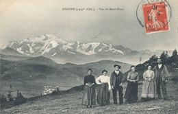 Col Des Saisies - Bisanne Vue Du Mont Blanc - Hommes Et Femme En Tenue D'époque - Costumes Folklore - Francia