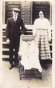 Oude Foto Koppel Met Baby, Couple Avec Bébé (pk31888) - Couples
