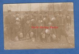 CPA Photo - Portrait De Militaire Du 3e Régiment De Génie - Voir Uniforme , Pelle , équipement - WW1 - Militari