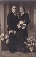 Oude Foto Poserend Koppel In Feestkledij (pk31894) - Couples