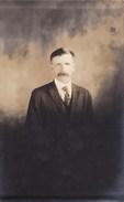 Oude Foto Portret Van Man In Maatpak (pk31901) - Autres