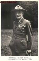 CARTE PHOTO : LE GENERAL BANDEN POWELL FONDATEUR DU SCOUTISME SCOUT + BIOGRAPHIE MANUSCRITE AU DOS SCOUT ENGLAND - Scouting