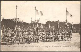 """CP Les Drapeaux De L'infanterie, Série """"Les Fêtes De La Victoire, 14 Juillet 1919"""" - Militaria"""