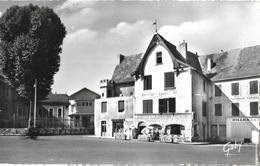 Cusset (Allier) - La Taverne Louis XI, Monument Historique - Edition Artaud, Carte Gaby Non Circulée - Restaurants