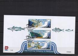 Namibia -  The Fishing Industry -  Walvis Bay - 23/6/2004  (RM10910) - Fishes