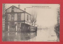 Courbevoie  --  Innondation 1910  ---la Rue Ste Geneviève - Courbevoie