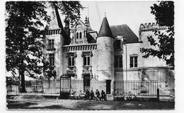 PESSAC - N° 1902 - CHATEAU BELLEGRAVE AVEC PERSONNAGES ET VELOS - FORMAT CPA VOYAGEE - Pessac