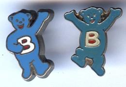 Lot De 2 Pin's BUTAGAZ Ours Bleu - EGF Et EPOXY - Marche