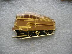 Pin's D'une Locomotive Dans Le Style D'un Autorail - TGV