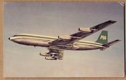 PAKISTAN INTERNATIONAL AIRLINES , BOEING 707 * VINTAGE POSTCARD *  * PAKISTAN - Avions