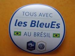 Magnet Football Voiture Volkswagen Les Bleues Au Brésil Foot Coupe Du Monde - Sports
