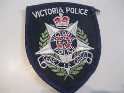 Ecusson Tissu Ancien /Police / CANADA /Victoria Police/ Tenez Le Droit/ Années 1970 -1980  ET123 - Patches