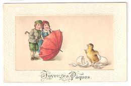CP : Relief Plus Cadre Fantaisie - Personnage Avec Parapluie Et Poussin Sortant De Sa Coquille Costume Joyeuse Pâques - Pasqua