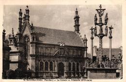 ST THEGONNEC -29- LE CALVAIRE ET L'OSSUAIRE - Saint-Thégonnec