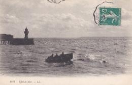 "CPA  "" EFFET De MER ""  - PHARE Et BARQUE - Lighthouses"