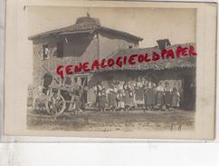 SERBIE - ENVIRONS DE MONASTIR - UN NID DE CIGOGNE - RARE CARTE PHOTO - Serbie