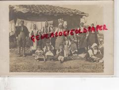 SERBIE - ENVIRONS DE MONASTIR -EN ORIENT- MACEDONIENNES AU TRAVAIL   - RARE  CARTE  PHOTO - Serbie