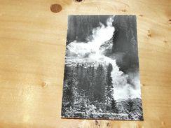 Unterer Krimmler Wasserfall, Fallhöhe 100 M.  Austria - Krimml