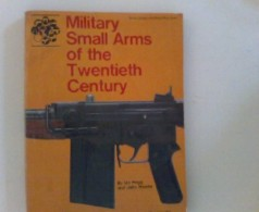 Military Small Arms Of The Twentieth Century. - Livres, BD, Revues