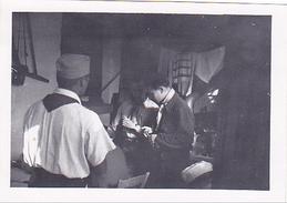 25966 Cinq 5 Photo BELGIQUE  - Camp Ecole  -scout -scoutisme - Jemelle Namur 1943 -cuisine 57 Av Congo - Guerre, Militaire