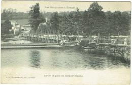 Manoeuvres à Namur. Avant La Pose Du Dernier Chassis. - Namur