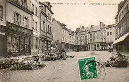CPA - LOUVIERS (27) - Aspect De La Place De La Halle Un Jour De Marché En 1910 - Louviers