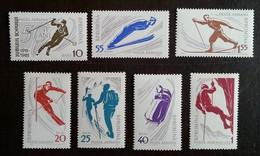 ROUMANIE - YT Aérien N°127 à 133 - Spots De Montagne / Sports - 1961 - Neufs - Poste Aérienne